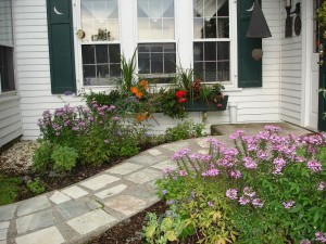 This pocket garden is outside the dining room on the path to the inn's front door.